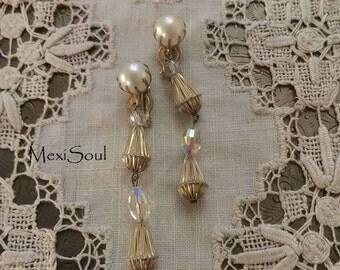Vintage 1960's Pearl Drop Clip Earrings, Vintage Bridal Jewelry, 60's Bride, Retro