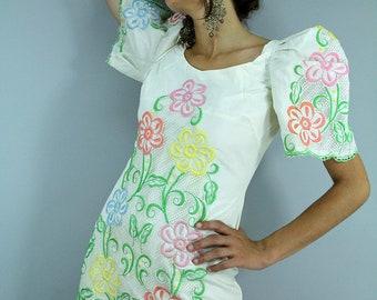 Vintage 70s Embroidered FLower Maxi Dress Pleated POOFY Sleeves // Vintage Clothing by TatiTati Vintage on Etsy