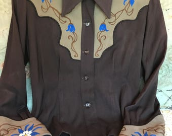 Vintage 1940s Western Shirt Women's Cowgirl Rodeo Embroidered Gabardine Shirt- Brown Tan Blue White sz Small