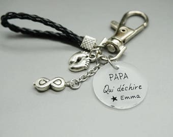 """porte clé similicuir cabochon médaille """"Papa qui déchire"""" + prénom enfant infini personnalisable"""