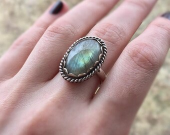 Magic Mirror, Sterling Silver Labradorite Ring, labradorite ring, rainbow labradorite ring, labradorite, one of a kind, size 6.25