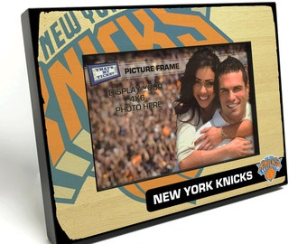 New York Knicks Black Wood Edge 4x6 inch Picture Frame - Officially Licensed by the NBA