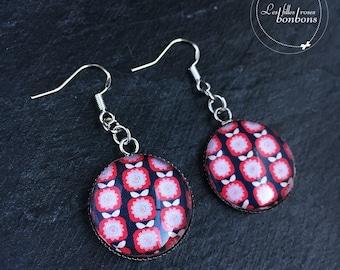 Retro Apple pattern cabochon earrings