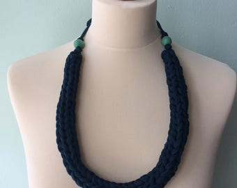 hand knitted jersey necklace - chunky - dark green - turquoise beads