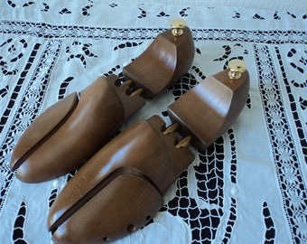 REDUCED - French Vintage wooden shoe forms / stretchers French size 46   (04628-29-30-31)
