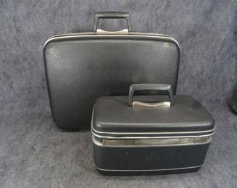 Samsonite Silhouette O'nite Case And Matching Beauty Case Circa 1960'S-1970'S