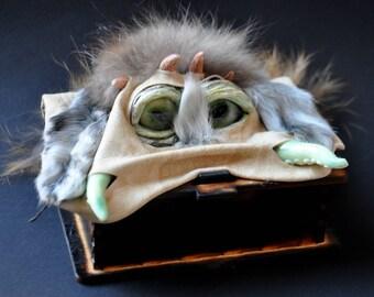 MonstroCasket Kuzya. HANDMADE, Biege, Monster, Harry Potter, Fantazy, tentacles, eyes, box, organizer, strange gift,  glow in the dark.