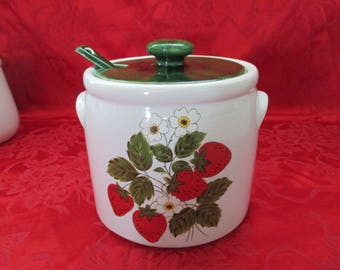 Vintage, McCoy Pottery, Large Bean Pot,#1424, with Matching Ladle in a Strawberry Design, 4 Quarts. 1970's