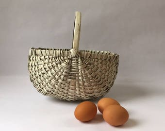 vintage southern egg basket in old white paint, early woven gathering basket for the modern farmhouse, modern country rustic americana style
