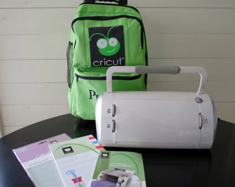 Cricut Personal CUTTING MACHINE & Storage BAG -plus Paper Pad Cutting Mat Provo Craft Tool Set Cardmaking Scrapbooking Supplies Paper Crafts