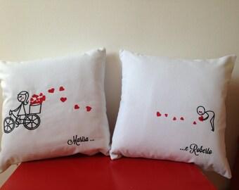 Cuscini personalizzati ricamati per festa innamorati, per rinnovare la promessa d'amore o per fare un regalo originale e simpatico
