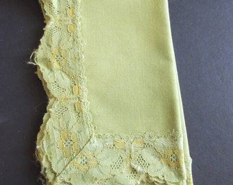 Green Lace Cloth 15 inches by 16 inches Cutter for Craft Projects Shabby Chic Retro 1950's