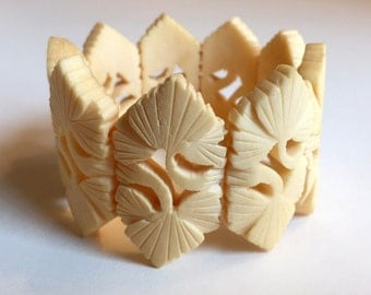 Vintage Chinese Carved Bone Fora Design Stretchy Bracelet
