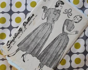 Simplicity Pattern - Vintage One-Piece Dress Pattern 1960s