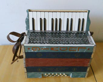 Antique Accordion c1920's The Antoria Ludwig Accordeon Pine Tree Brand Small Piano Accordion Squeeze Box Melodeon Display Made in Germany