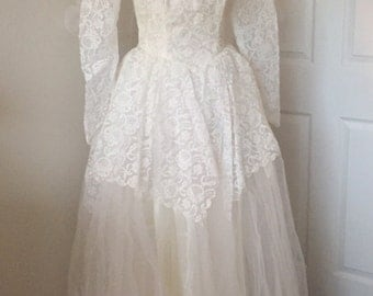 Beautiful vintage 1950's tulle and lace floor length wedding dress
