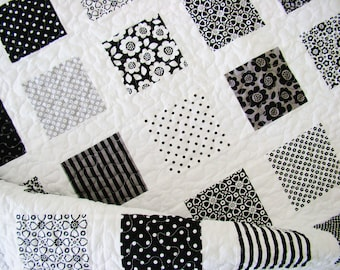 Black & White Quilt/ Modern Quilt / Western Quilt / Twin Quilt / Throw Quilt / Bed Quilt / Custom Quilt