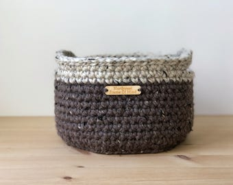 Medium Round Crochet Basket With Handles/ Catch-All Basket / Soft Basket / Storage Basket / Brown Basket / Housewarming Gift / Rustic / Boho