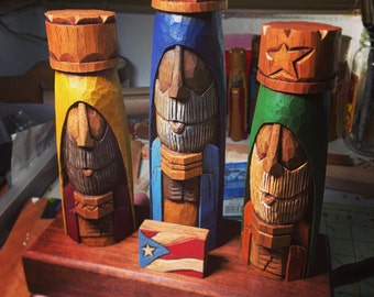 """Tres Reyes Magos (Three wise men) hand carved 7"""" Tall with the Puerto Rico Flag on front"""