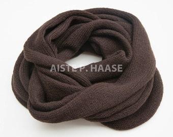 Merino infinity scarf, Chocolate color shawl, Merino loop scarf, Chunky scarf, Knitted merino scarf, Merino wool snood, Extra large scarf