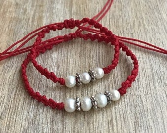 Mommy and Me bracelets, Mom and Daughter bracelets, Mommy and me Pearl bracelets, Red Matching bracelets, Gift for Mom NM001446