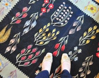 Antique Romanian Folk Kilim Rug, Vintage Turkish Kilim, Bessarabian KIim,Black Floral Kilim Rug, Bohemian Rug, Folk Art Rug