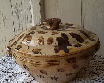 Tureen Terra cotta glazed earthenware antique/Antique tureen