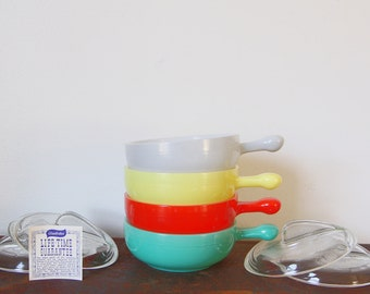 Glassbake bowl, glassbake, glassbake soup bowls with lids.
