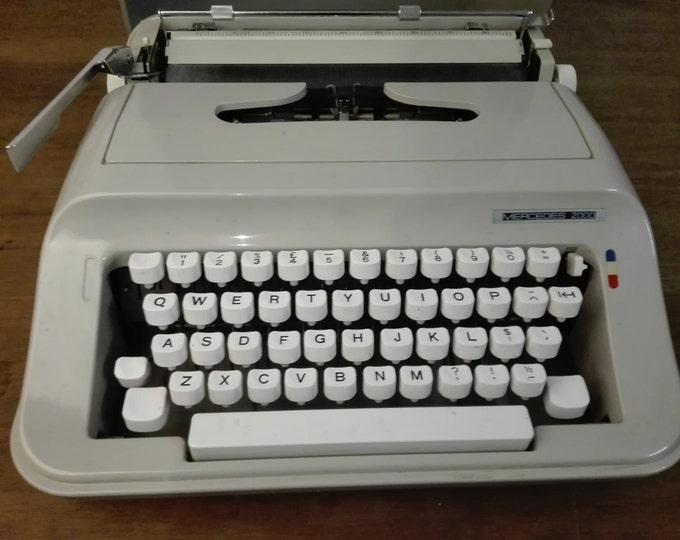 Mercedes 2000 vintage typewriter