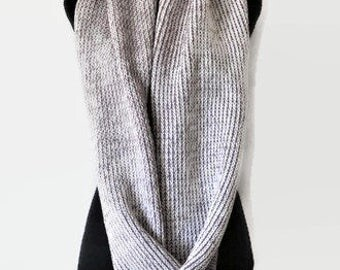 Pink and Cream chunky scarf, Two toned knit scarf, Circle scarf, Infinity scarf, Wool scarf, Womens scarves, scarf wool.