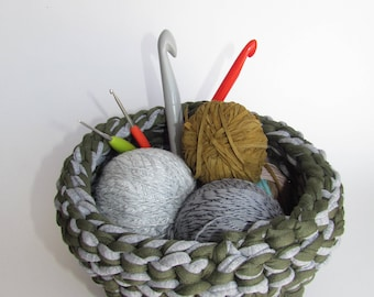 Knitted Bowl Green-Gray Size 2 Basket
