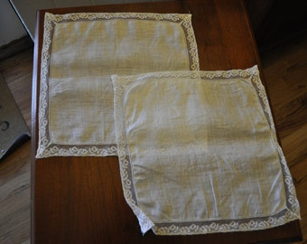 Vintage 1950s White Lace Trimmed Handkerchiefs-Set of 3