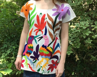 Otomi Shirt - Hand Embroidered Size Extra Small