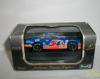 1997 Terry labonte Kellogg's Frosted Flakes Revell Limited Edition #5 NASCAR 1/64 Scale NASCAR Diecast Car New In  Damaged Box