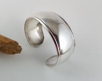 "Vintage Mexico Sterling Silver cuff bracelet Mexican cuff Sterling silver bracelet small cuff  6.5"" OT2550"