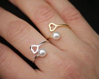 Silver rings and pearls
