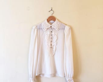 Vintage 80s Blouse - ivory, lace, embrodery, sheer, feminine, creme, boho, hipster, collared