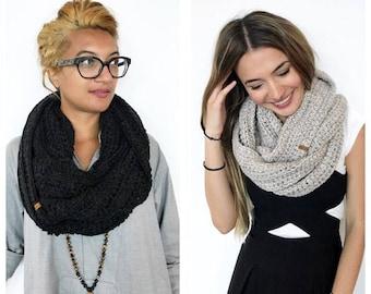 Handmade Alpaca Cowl • Soft and warm crochet wool (knit) schnood infinity scarf gift