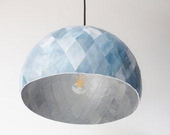 Suspension, papier maché, bleu gris et argent