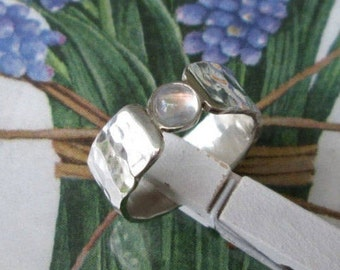 Silberring Mondstein, gehämmert Gr. 59,  Moonstone Ring Silver, wide Band hammered US Size 8,7 UK Size R