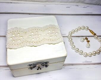Lace Wedding Ring Bearer Box - Lace Wedding Ring Box - Rustic Lace Wedding Ring Box - Rustic Lace Wedding Ring Holder - Elegant Ring Box