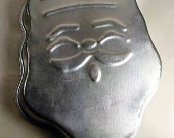Vintage Santa Cake Pan/Aluminum/Scratches But No Dents/Made In Taiwan For JC,NY (U)