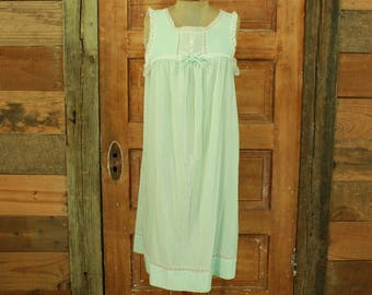 CLEARANCE vintage 1960s pastel mint green cotton lace floral house dress lounge night gown S M