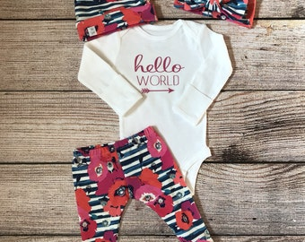 Hello world / Hello World outfit / Hello world onesie / Newborn outfit / baby girl outfit / coming home outfit / leggings / knot beanie