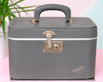 """Vintage """"GadAbout by Neevel"""" Train Case in Smoke Gray - Classic!"""