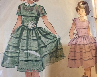 Vintage 1950's SIMPLICITY PATTERN #3184 in a Girls size 7
