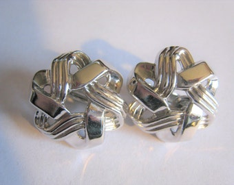 Silver Tone Trifari Clip Earrings  ( 99 )
