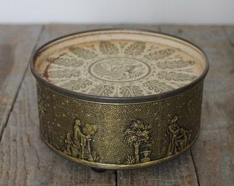 Vintage Gold Fruit Cake Tin with Feet, Paradise Fruit Cake, Guildcraft, Vintage Tin with Greek Pattern, Kitchen Storage, Industrial Storage