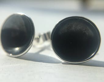 Bowl ear studs in sterling silver with oxidised detail