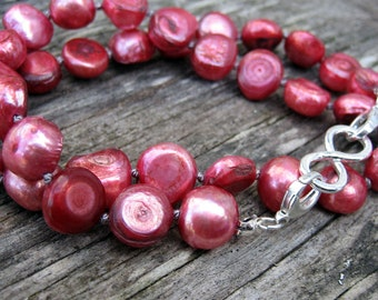 Deep pink freshwater pearl double clasp beaded back // ready to ship